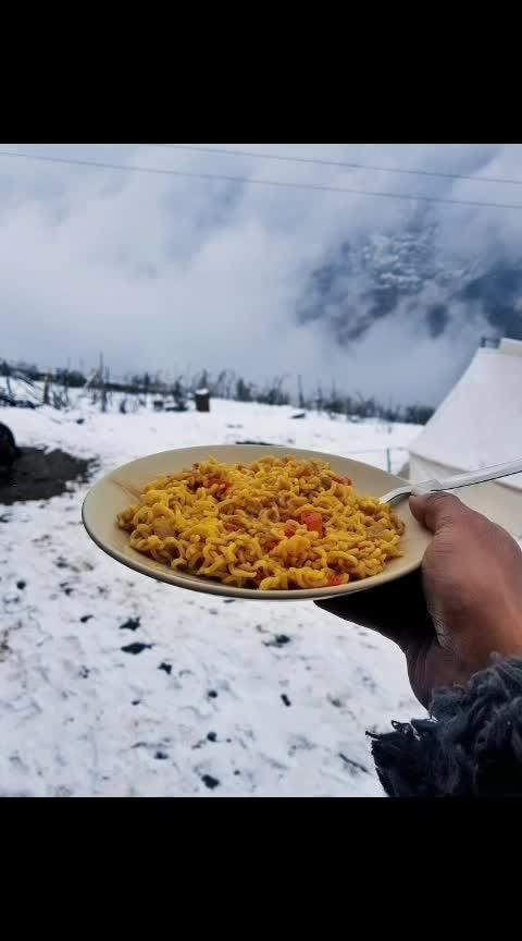 #food #travel #maggie #maggipicture #mountains #snow #auli #uttarakhand #uttarakhanddiaries #uttarakhandtraveller #delhifashionblogger #bloggerstyle #anythingfortheshot #alwaysworking #photooftheday #aashimalamba #lamba #tbrtravels #lambatravels #thebasicrebel