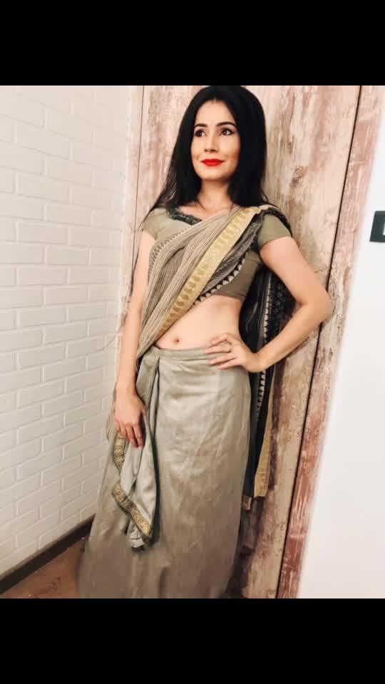 Look test🎥 #looktest #mytho #mythology #show #dailysoap #raani #costume #mythologicalshow #saree #crown #feelinglikeaqueen #actorslife #artist #potd #instapic #pose #act #action #actorsjob #justact #blessed