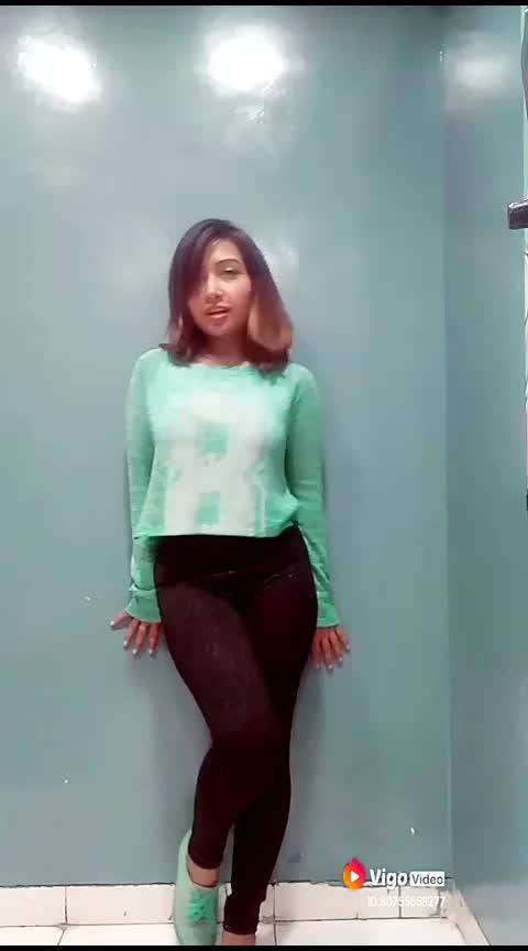 #styles #styleoftheday #ropo-love #ropo-good #stylishlook #stylefile #actor #bollywoodmovie #bollywood #actorslife #shoot #model #modelshoot #roposo-fashion