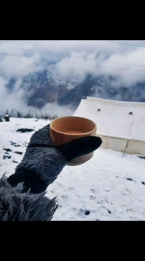 Cannot live without you ♡  #tealover #tea #chai  #fashionblogger  #snowfall #snow #auli #travelgram #travelling #travel #travelblogger #travelfashion  #winterfashion #winterlook #travels #tbrtravels #lambatravels #lamba #aashimalamba #thebasicrebel #black #sunglasses #mountains #snow #chailover