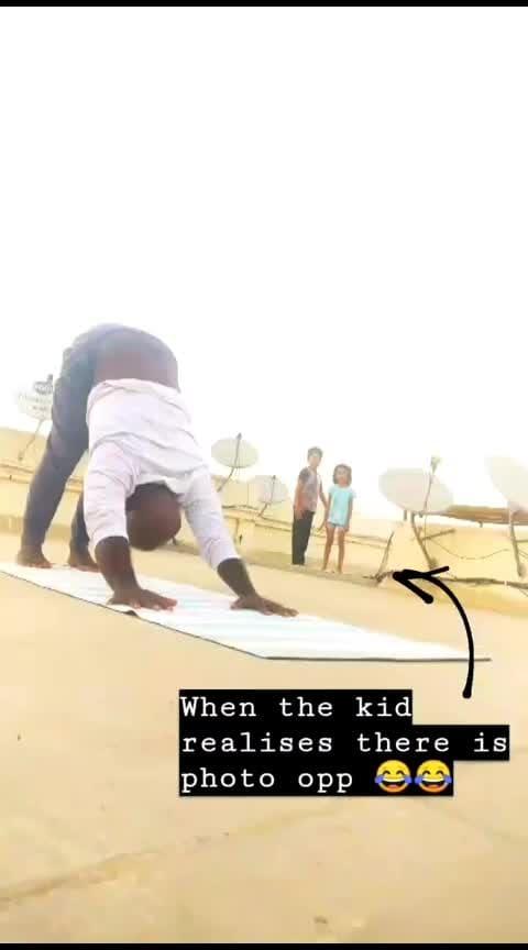 Moments like these - when kids end sharing screen space  . . . . #yoga #yogafun #yogafit #yogawithkids #yogawithsamrat #yoga4roposo #fridayfitness #fitness #yogalife #ashtavakrasana #armbalance