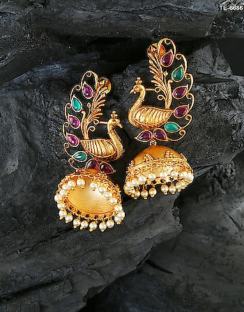 Have a look on our beautiful Jhumka Earring collection from Anuradha Art Jewellery. To see more design click on this link: http://bit.ly/2wY1d1q #earring #jhumkaearring #zumka #jhumkies #traditionalearring #traditionaljhumka #fancyzumka #artificialjewellery #templeearring #templejewellery #bridaljewellery #weddingjewellery #jewelry #anuradhaartjewellery