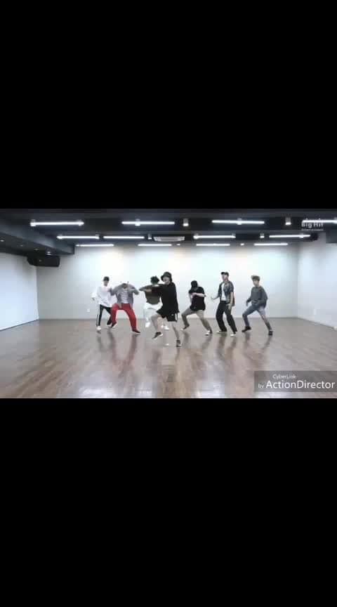 #roposo_dance  #bts  #chogada-tara   #army   #roposomusic   #musicvideo   #edit   #dance_video   #headphone   #ropososong   #musicflow   #roposomic   #performance   #roposobeats   #roposo   #roposo-style   #soroposo   #music