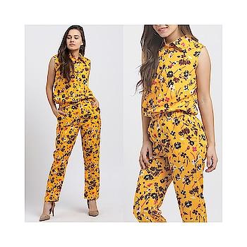 Keep Calm and Love Flowers!🌼 #yellowfloraljumpsuit . . . . #trendarrest #trending #trendyoutfits #trendfollowers #fashion #casual #floral #print #yellow #colour #jumpsuit #womens #western #wear #pretty #sunshine #fashion #likeforlikes #followforfollow #instalikes #instafollows #fashionworld #fashionista #thursdayvibes #postoftheday