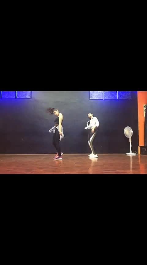 #ropo-love #beat #beats #video #ropo-video #ropo-video #filmistaan #filmiduniya #beats #film #ropo-video #videoclip #fashion #roposo #girlsbestfriend #girls #ropo-girl #boy #boyfriend #womensfashion