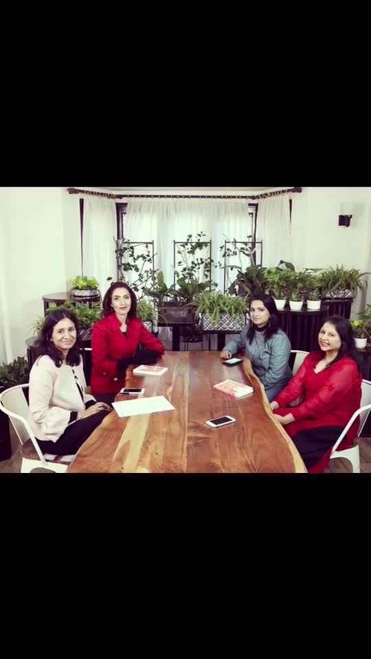Shoot Time with my lovely ladies @Sippingthoughts @meetagutgutia @sukirtigupta @laharbhatnagar  Lahar is the writer of '100 ways to be a stress free mom'. Her article 'Tame the Tantrum' was published in the India Today Magazine and she features on Momspresso too.                                        . .                                                                                         . #sippingthoughts #tinawaliaic ##blogger #fashionblogger #hosts #webseries #chatshow #bts #shootday #womanpower #shagunfarms #chhatarpur #roposobloggernetwork #roposostylist #ropo-post #ropo-video😊