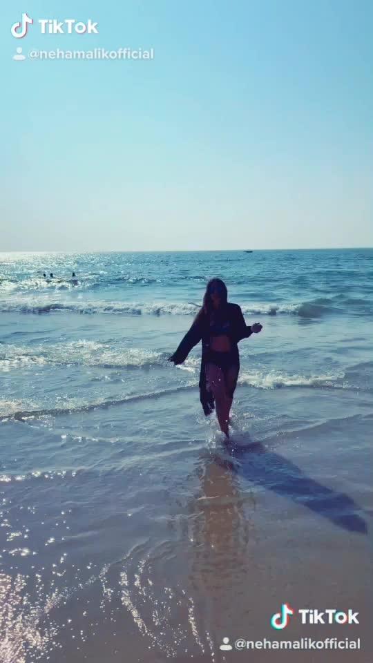 This song is As beautiful as Sea waves 🌊 🌊🌊🌊♥️♥️♥️ : #beingfilmy #bollywood #filmy #ekladkikodekhatohaisalaga #song #goa #goabeach #beach #beachdays #beachvibes #beachbaby #sealover #sunandsand #sea #waves #boldandbeautiful #beachgirl  #beachwear #beachphotoshoot #beachphotography #sunday #weekendvibes  #nehamalik #model #actor #blogger #instagram #instafollow #instavideo