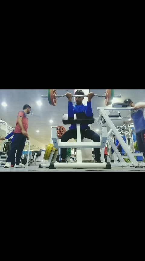 #preachercurl #bodybuilding #motivation #gymlife #liftheavy #bicepsworkout #fitnessmotivation #capture #love #fitnessmotivations #fitnessfreak #bodybuildingmotivation #athlete #career #bodypositive #bodypositivity #sexy #modelling- #gymshaker #promotion #roposo-gym #aadatbanalo #ziddihume