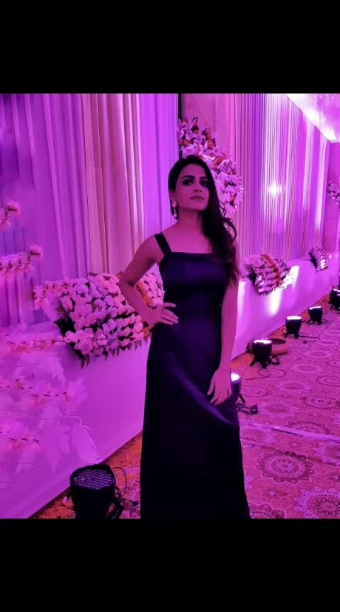 #black #blackgown #shine #eveningwear #bodycondress #makeup #earrings #pinklights #blackstyle #style #fashiontrend #fashion #fashionblogger #wedding #bloggerstyle #blogger #delhifashionblogger #lambatravels #tbrjodhpur #thebasicrebel #aashimalamba #trend #stylegram #styleinspiration