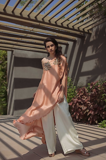 Hello fashionistas!!!  Are you looking for Summer weddings, Pool parties or brunch parties ? Just visit the Deval The Multi Designer Store for most stylish SS 19 contemporary collection in soothing soft pastels by Alam by Tulsi Patel . . For more details please call/whatsapp us +91 98984 22000 Address: House R, Mondeal business park, S G Road, Thaltej, Ahmedabad #devalstore #ahmedabad #designerstore #exclusivepreview #womenswear #bridalcollection #summerweddingcollection #poolpartieswear #brunchwear #ss19 #alambytulsipatel #designerstore #designerclothing #womensclothing