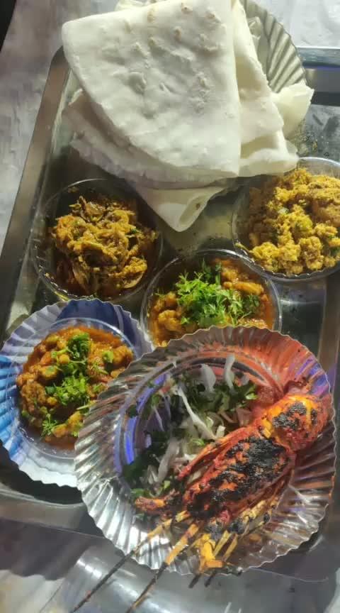#versova #fish #koli #festival #seafood #food #roposofood #foodblogger #foodporn #foodpost #mumbaistyle #mumbaifoodie #mumbaifoodbloggers #mumbaifoodjunkie