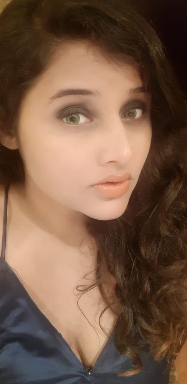 Again a post after long time..   #Nudelips #Smokeyeyes #Makeup #Eyes #Goodhairday #trend
