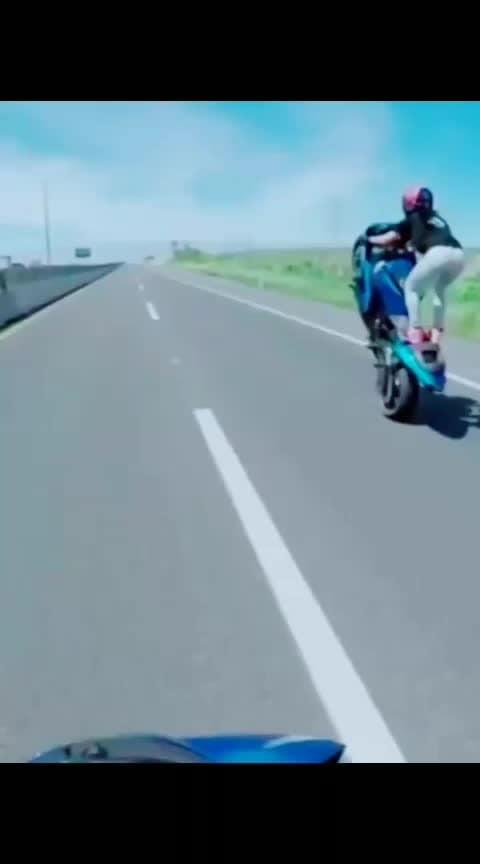 #girlstunt #bikestunts #feauturegirl#skedit  #feautureme #bikelove  #stuntlover  #tiktok_india #nellikka  #mallu