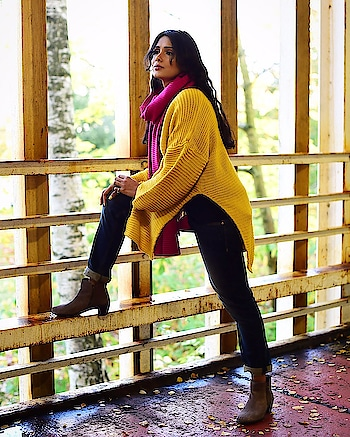 Winter Outfit Ideas  #winteroutfit #winteroutfitideas #winterstyle #winterdress #winterjumper #jumper #yellowjumper #shein #sheinjumper #fashionblogger #indianfashionblogger #delhifashionblogger #roposofashionblogger #roposofashion #roposofashiontips #redmuffler #blockboots #boots #ankleboots