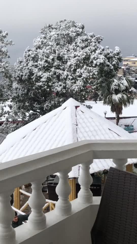 SNOWFALL ✅💯 #2019 done #mussoorie #travel-diaries