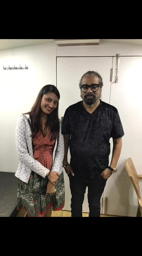 Tu Hi Re.... Tu Hi Re... Tere Bina Me Kese Jiyu..   Aaja Re.. Aaja Re... Yu Hi Tadpa Na Tu Mujko.. Jaan Re.... Jàan Re.. In Saanso Me Bas Jaa Tu... Chand Re... Chand Re... Aaja Dil Ki Zameen Pe Tu...  With Padma Shri #Hariharan ji... Very Soothing voice... It was a great experience working with the Legend singer...  #legend #Singer #liveinconcert #soothingvoice #Thaneartfestival #TeamCelebM #TuHiRe #artistmanagementagency #artistmanager #Unplugged #music #Indiansinger #Padmashri #award #winner