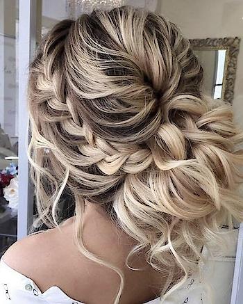 Wedding Hair goals...😍 Credits: Pinterest . . #kacy #kacyblog #weddinggoals #kacyfashion #weddinghair #hairstyles