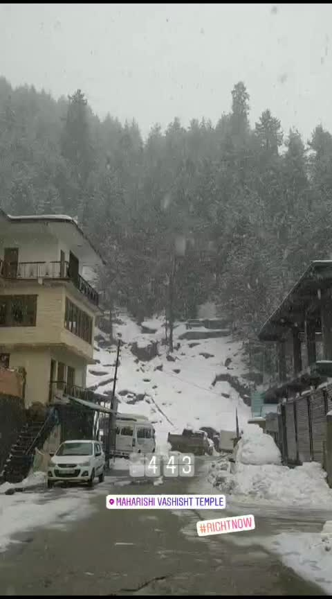 2nd Snowfall in Manali! 😊 #himachal #himachalpradesh #snowfall #manalidiaries #manali