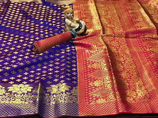 ****Wonderful Wedding Wear*** Soft Banarasi Silk with Rich zari pallu With pallu matching blouse piece Contact : 98254 42027 Price : 1160/- #thebazaar #traditionalwearday #traditionalsaree #ethnic-wear #banarasisaree