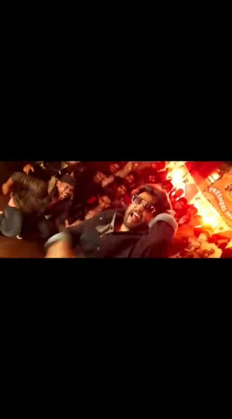 Rajanikant Rockzzz... 🤩 #roposo-styles #filmistaanchannel #filmistan-channel #superstar-rajinikanth #anna-rajanikant