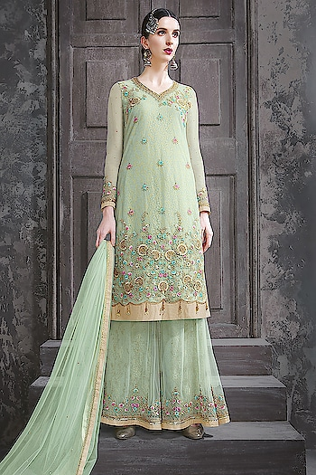 Designer Most Attractive Salwar Kameez Collection...🎀 Price:- 5590/- 💗 Worldwide Shipping 📦 ✈ 💗 For Order/Price What-app us (+91) 8097909000 💗 Quality Assured 💗 Custom Stitching * * * * #salwar #salwarsuits #dress #dresses #longsuits #suitsonline #motiwork #onlinefloralsuit #picoftheday #style #bestoftheday #love #designersuits #anarkalisuits #beauty #onlineboutique #celebrity #womenclothing #clothingboutique #womenwithstyle #fashionstyleclothes