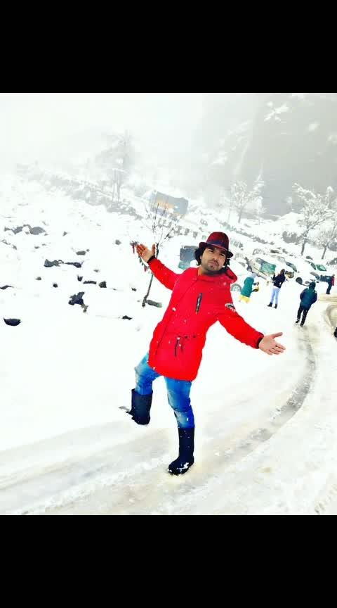#manali #manalidiaries #manalitrip #snow #snowing #snowfall #him #himalayas #himachaldiaries