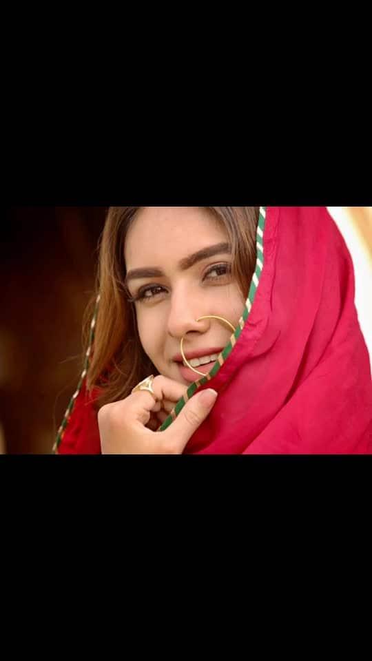 पर्दे में रहने दो, पर्दा न उठाओ...... ♥️♥️♥️ : : Photography @ilmanaazphotography1 📸📸 Mua @makeup_asfaque 💄💄 : #pardemerehnedo #desiswag #shinebright #redlove #punjab #punjabikudi #desilook #desigirl #desilove #indiangirl #indianoutfit #punjabisuit #redsuit #indianbeauty #sunshine #pollywood #bollywood #punjabiactress  #portraitphotography #nehamalik #model #actor #blogger #instagram #instagood