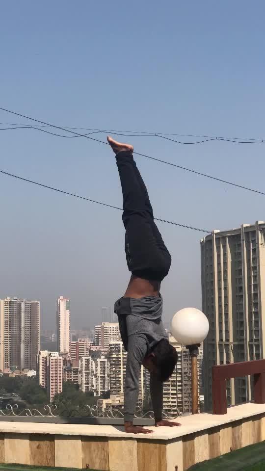 Rooftop handstand #rooftop #handstand #-lover