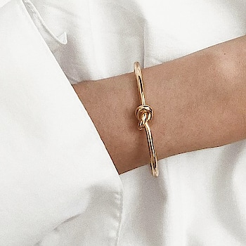 We are obssessing over these #bracelets .. They can be stacked with any watch or can be worn alone with a casual college as well as a chic office look. Grace it like a diva and share a selfies of yours to get featured use #kacygang Shop Here : https://kacyworld.com/product-category/bracelets/ . . #kacy #kacyworld #kacyjewelry #fashionjewelry #jewelrybloggers #braceletstacks #stacks #jewelrystacks