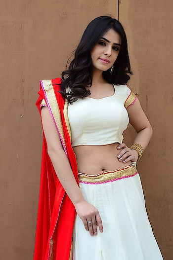 Sidhika Sharma hot navel stills at Prema Parichayam movie launch https://www.southindianactress.co.in/telugu-actress/sidhika-sharma-prema-parichayam-launch/  #sidhikasharma #southindianactress #teluguactress #tollywood #tollywoodactress #indianactress #indiangirl #navel #actressnavel #hotnavel #indiannavel #hot #beauty #beautifulgirl #actress #lehenga #lehangacholi #lehenganavel #fashion #style #whitedress