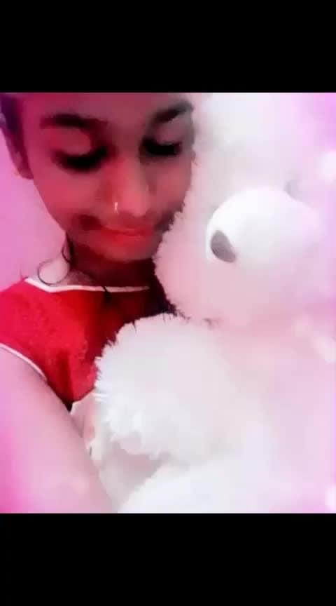 #in-love- #romanticsong #romanticsongs #love-couple #roposo-star #roposo-rising-star #love-status-roposo-beats #roposo-beats #creative-channel #roposo-filmistan-channel #roposo-channel #teddybears #teddyday2019 #teddydayspecial #teddylove