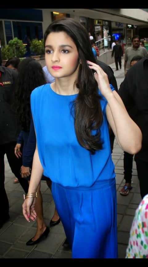 #aliabhatt #filmistaan #fashionquotient #bollywoodstyle