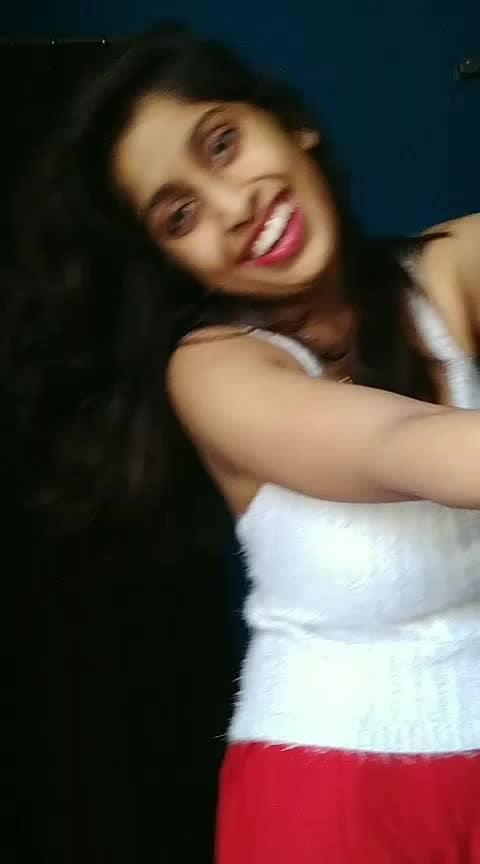 bheegi si bhagi si#soroposo #roposoacting #soroposogirl #roposo-rising
