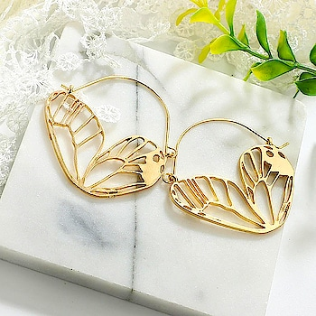 is there anything more beautiful than butterflies??😍🤔 Find em here : https://kacyworld.com/ . . . #kacy #kacyjewelry #kacyworld #fashionjewelry #butterlies #earrings #cuteearrings #jewelrybloggers #freeshipping