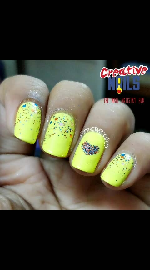 Propose your love with sparkling glitter nails! #happyproposeday #valentinesdaynailart #creativenails_d #creativenails_beautyproducts #roposo-lov #fashionmagazine #valentinesdaynails