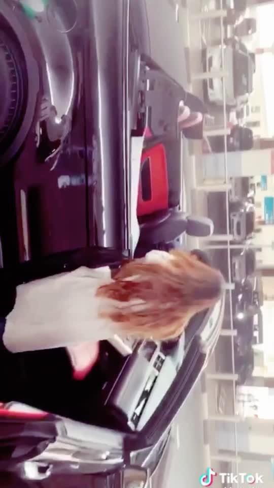 Swag se swagat in Dubai ... airport pickup in this sexy car 😍😍😍#simplylovedit 🤩🤩 : #dubaitravelwithnehamalik ✈️ : #dubai #dubaihereicome  #dxb #uae #unitedarabemirates #dubaitrip #sexycars  #luxurycars #dubailife #luxurylifestyle #travelholic #travelgirl #airportstyle #airportfashion #travelblogger #travelphotography #staytuned #newsong #shoot #2019 #airportphotography #nehamalik #model #actor #blogger #luxurytravel