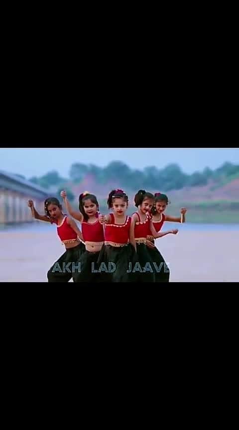 #roposo-dance #danglers #danceplus4 #bollywoodfashion #bollywoodstyle #tommyhilfiger #shweetista