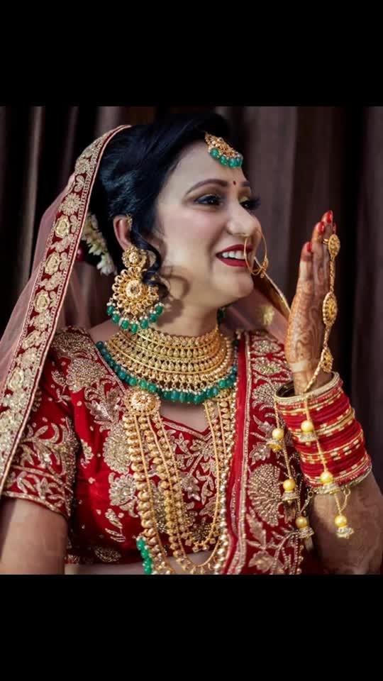 Red never goes ou of style😍  #beautifulbride #bride #wedding #indianwedding #weddingphotography #makeup #indianbride #weddinginspiration #bridalmakeup #love #weddingdress #beautiful #bridaljewellery #mua #beauty #weddingday #bridegoals #couple #lehenga #brideandgroom #jewellery #weddinggoals #bridetobe #photoshoot #couplegoals #bigfatindianwedding #weddinginspo #jewelry #gorgeous #bhfyp