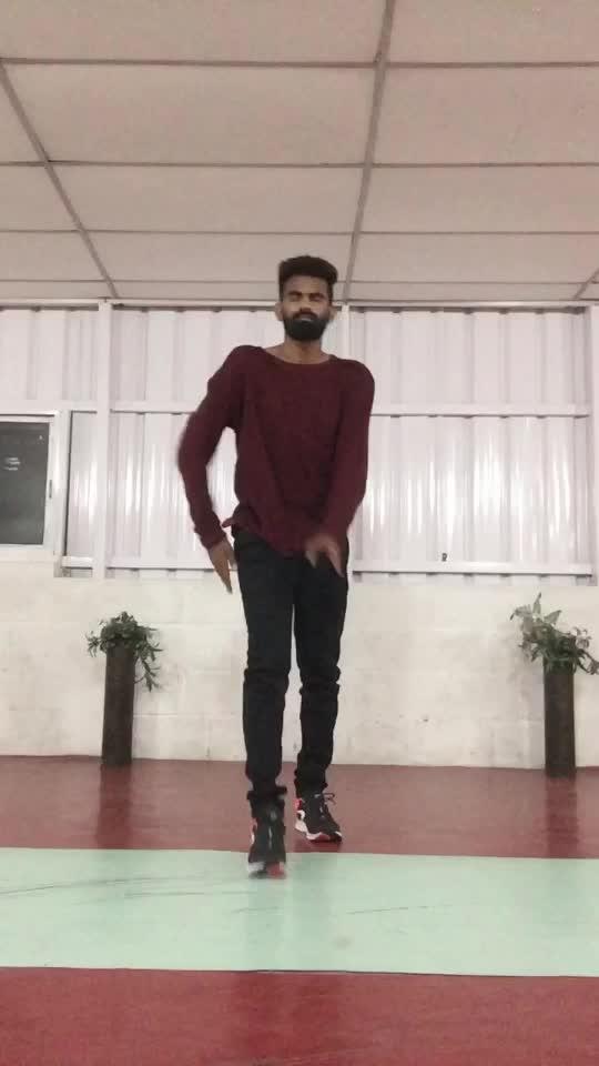 Kanmani anbodu kadhalan 😍❤️🕺🏻 #valentinesday2019 #feelmylove #roposodance #manibhai #cbe #coimbatore #dancerslife #freestyle