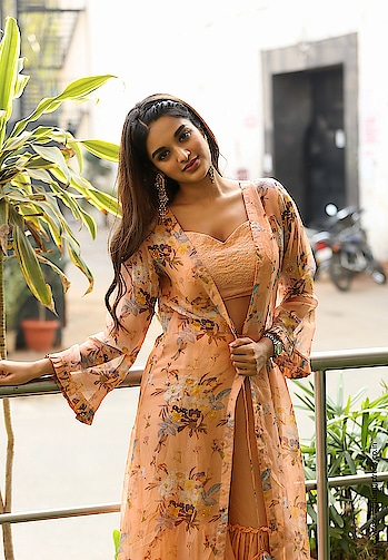 Nidhhi Agerwal latest photoshoot stills https://www.southindianactress.co.in/telugu-actress/nidhhi-agerwal/nidhhi-agerwal-photoshoot-stills/  #nidhhiagerwal #southindianactress #teluguactress #tollywood #tollywoodactress #indianactress #indiangirl #indianmodel #indianbeauty #beautifulactress #beautifulgirl #beauty #cleavage #hotgirl #hotactress #fashion #style #peachdress #peachcolor #bollywod #bollywoodactress #actress