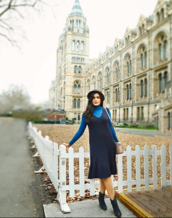Can't get enough of dresses no matter what the season   #winterstyle #londonfashion  #roposofashion #roposofashionblogger #roposofashiontips #indianfashionblogger  #delhifashionblogger #ukfashionblogger #fashionblogger #styleadvice #tips #tipsandtricks #summer #summerstyle  #winterlookbook #dress #summerdress #winterdress #winterdressing #hat #nationalhistorymuseum #londonblogger #londonlife #londonfashionblogger #london #blackboots #whitebag #michaelkorsbag