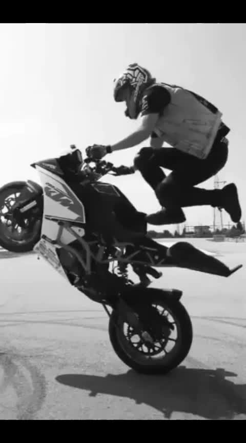 #ktm-stunt  #bikelovers  #like   #share  and #comment..  #followmeonroposo  #pleasefollowme