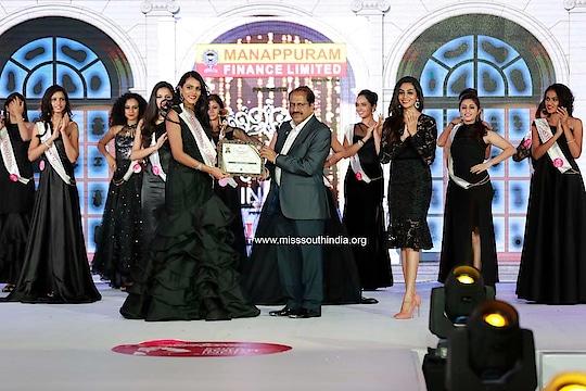Miss Viewers' Choice- Ashwini Reddy (Andhra Pradesh) Miss South India 2019 presented by #ManappuramFinance_Ltd Powered by #DQWatches #SAJEarthResorts #UTWorld #JoscoJewellers #MissSouthIndia #MSI #PegasusEvent #ManappuramFinanceLtd #DQWatches #SAJEarthResorts #UTWorld #DRAjitRaviPegasus #JoscoJeweller #Miss_Viewers_Choice #Ashwini_Reddy #Andhra_Pradesh