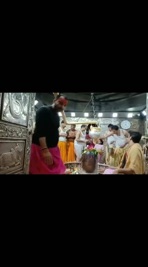काशी विश्वनाथ भोले शंकर के साक्षात दर्शन कीजिए, आपका कल्याण होना निश्चित है  #kashi #kashivishwanath #varanasi #banaras #jai---shiv--shankar--bhoenath #shiv #shivaay   plz gift and follow