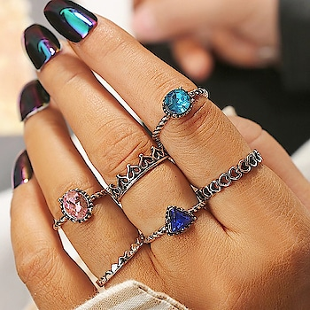 Can you stop looking at this gorgeous rings set? Cz we surely can't 😍😍😍 Shop Here : https://kacyworld.com/product-category/jewellery/rings/ring-sets/ . . #kacy #kacyworld #kacyjewelry #jewelrybloggers #shoponline #fashionjewelry #freeshipping #ringsets #rings #stonerings