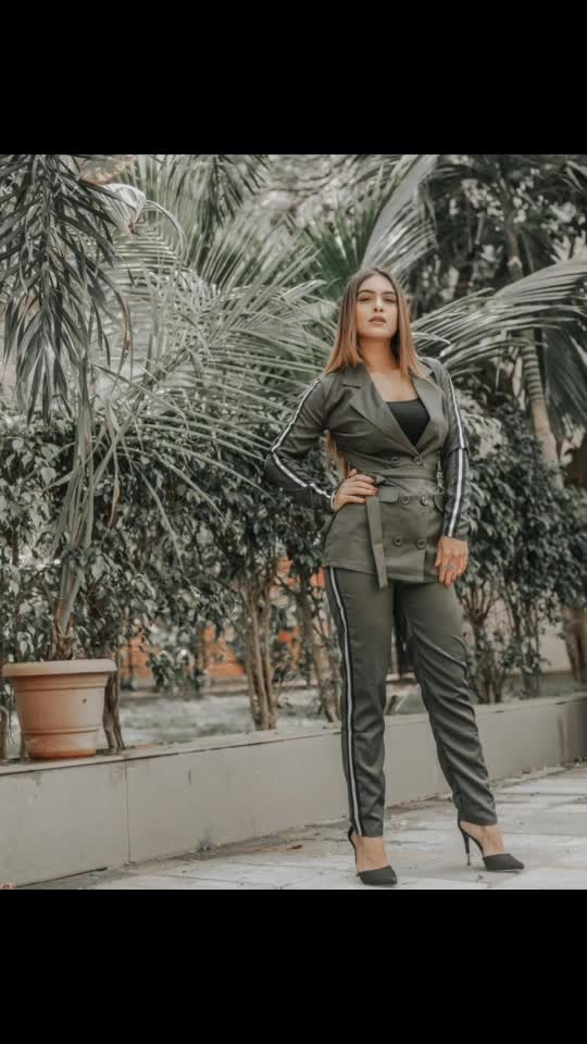 Your biggest Commitment must always be to Yourself .... ✌️✌️♥️♥️♥️😈 : This blazer and pant set from @sheinofficial  To buy this one use my code NEHAQ1 to get ₹200 off ,orders over ₹2000 😍 search link - http://bit.ly/2U9pk78  search id - 622906  Grab this one now #happyshopping 😍 : #newshoot #newlook #blogpost #formals #formaldress #formallook #blazerandpants #shooting #shoot #shootdiaries #photoshoot #stylish #fashionblog #fashionista #fashionblogger #styleblogger #sheinofficial #shein #bossbabe #boldandbeautiful  #nehamalik #model #actor #blogger #instafashion #instagood #instalike : : Mua @makeupbysanjam_  Hair @makeupbysabashaikh  PC @dhavalgajjarphotography