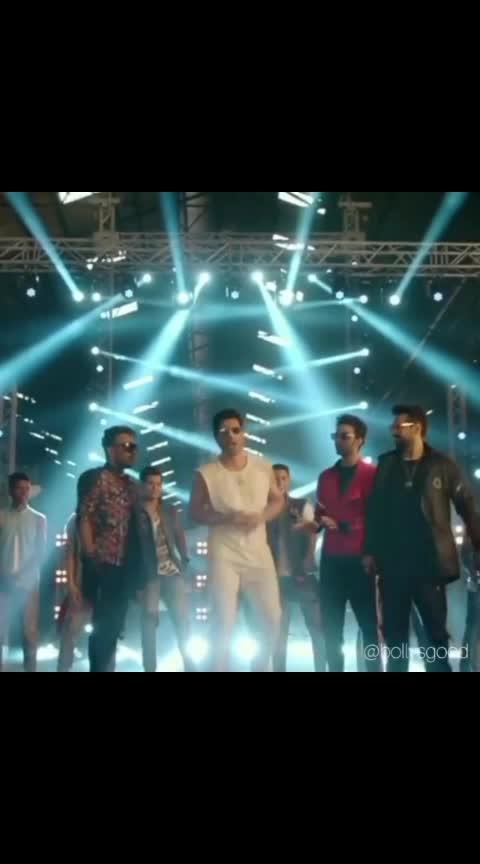 High rated gabru ❤️❤️❤️❤️❤️❤️❤️😎 #bollywooddance #punitpathak #varundhawan #shraddhakapoor #raghavjuyal #dharmesh