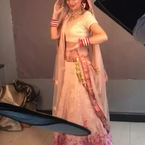 A positive attitude can really make dreams come true -it did for me❤❤😍 While shooting some moves and music makes you more  energetic to work💃  #shooting #bridallooks #jewellerylook #bridalshoot #dancing #musiclove #dreamscometrue #positiveattitude #lovetowork #cameralove #jewellerybrand #bridalwear #workwithpositivity #flowers🌸 #dancewithme