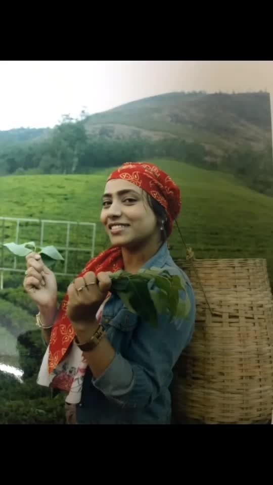Tea farming #lifestyleblogger #fashion 😘😘😘😘 #ropo-love