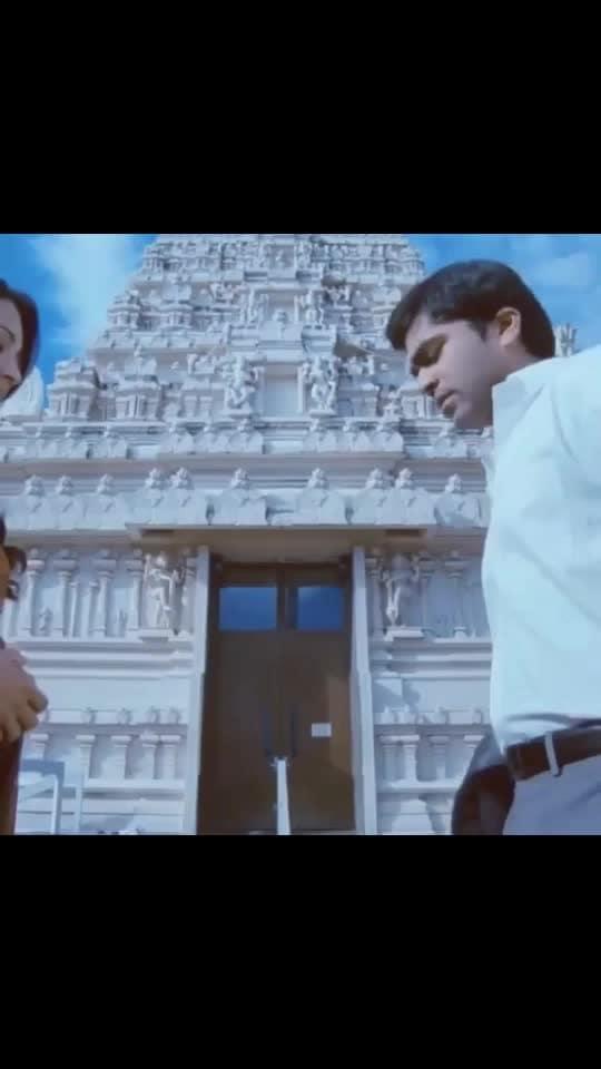 En Pondatiieeee 🖤 #vtv_version #fav_song #fav_video #lovly_movie #simbu #trisha #vtv #gvm #love_foreverr